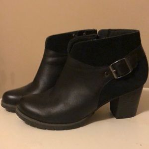 Clarks leather & suede booties